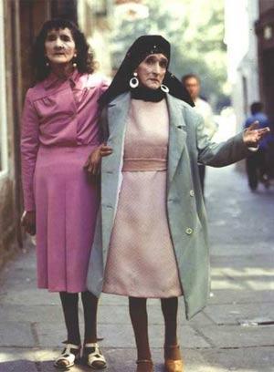 Photo of Doña Coralia and Doña Maruxa Fandiño Ricart