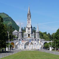 Visitez of Lourdes in France